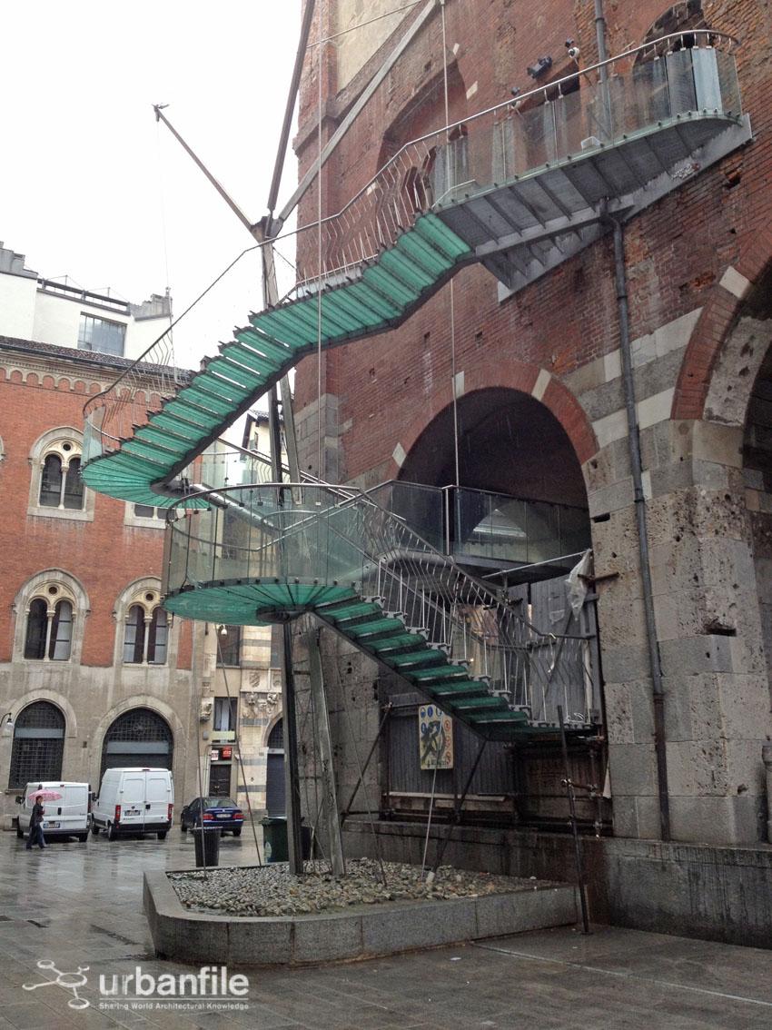 Milano  Cordusio  Palazzo della Ragione a pezzi