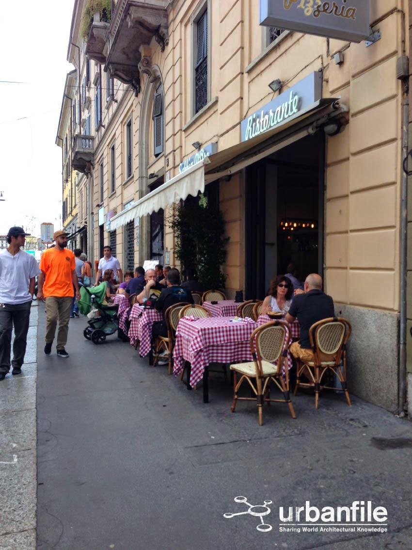 Milano  Porta Genova  Via Vigevano la lunga tavolata