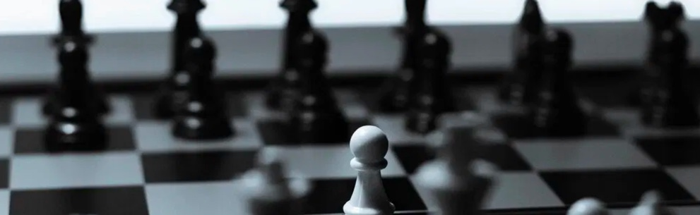 chess. 24 Tactics used by Big Startups. How to solve The Chicken and Egg Problem?