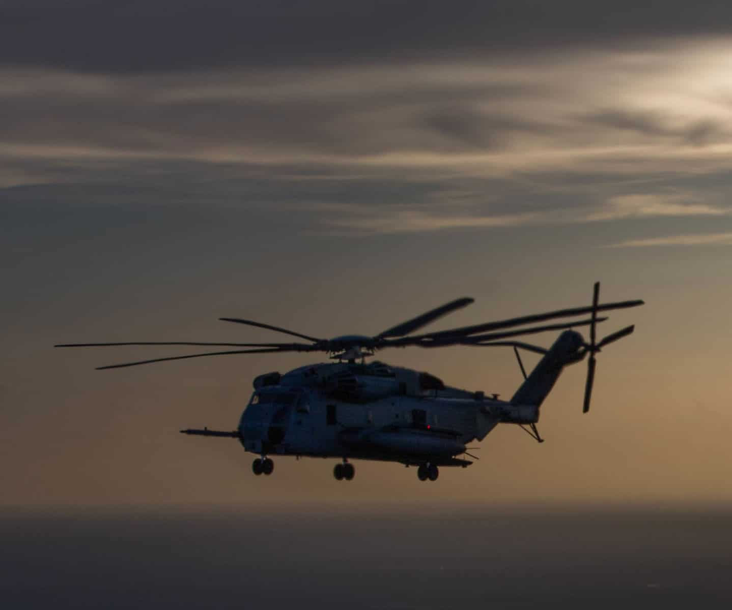 A CH-53E Super Stallion assigned to Marine Heavy Helicopter Squadron (HMH) 461 conducts a live fire range flight during Raven 17-06 in Gulfport, Mississippi.
