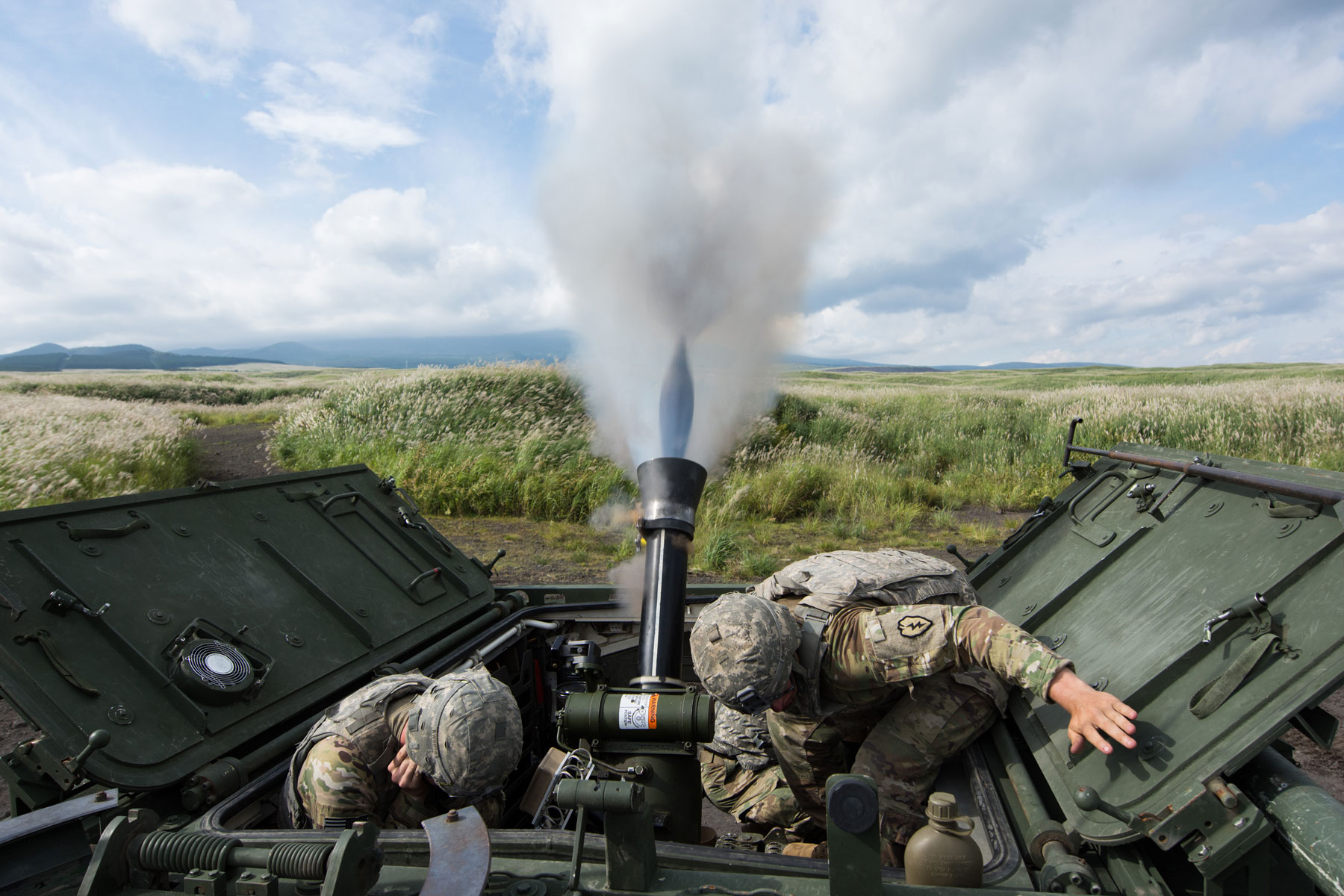 U S Army 120mm Mortar : Rms l mm mortar system on a m carrier usa