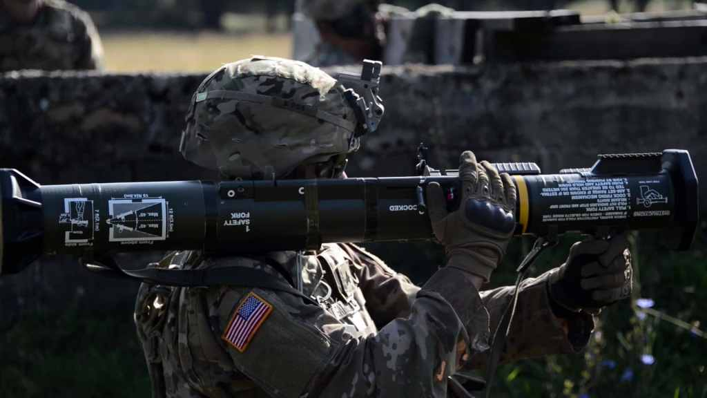 "U.S. Army Soldiers ""LIVE-FIRE"" AT4-CS Confined Space Light Anti-Armor Weapons"