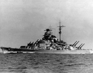 KM_Tirpitz_1943