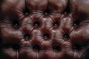 3 Tips For Decorating With Leather Furniture
