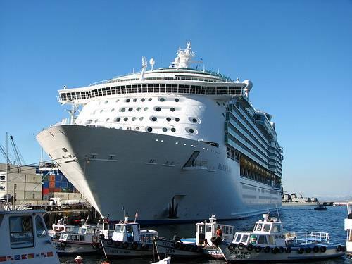 Crucero atracado
