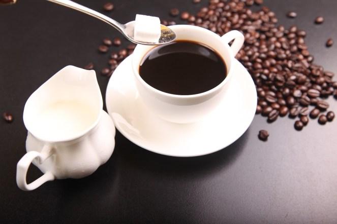 Pro mnohé začíná den právě kávou