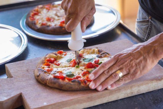 Domácí pizzu si zamilujete.
