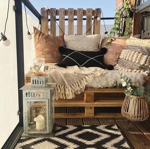 paletový nábytek na balkón terasu