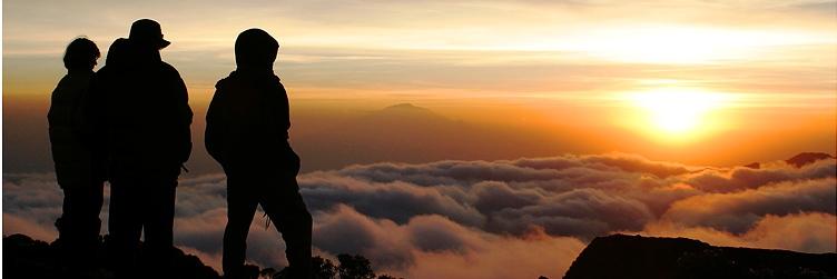 No topo do Kilimanjaro