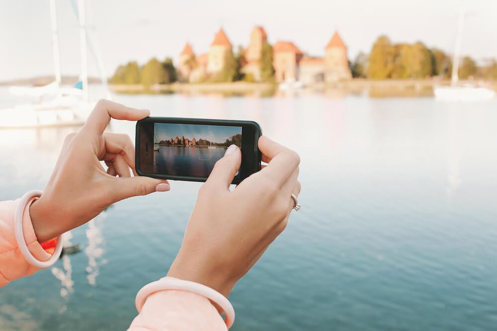veja como compartilhar sua viagem nas redes sociais sem exageros - Veja como compartilhar sua viagem nas redes sociais sem exageros