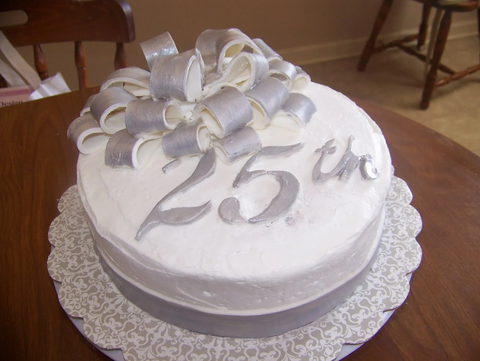 How To Throw A Memorable 25th Wedding Anniversary Party