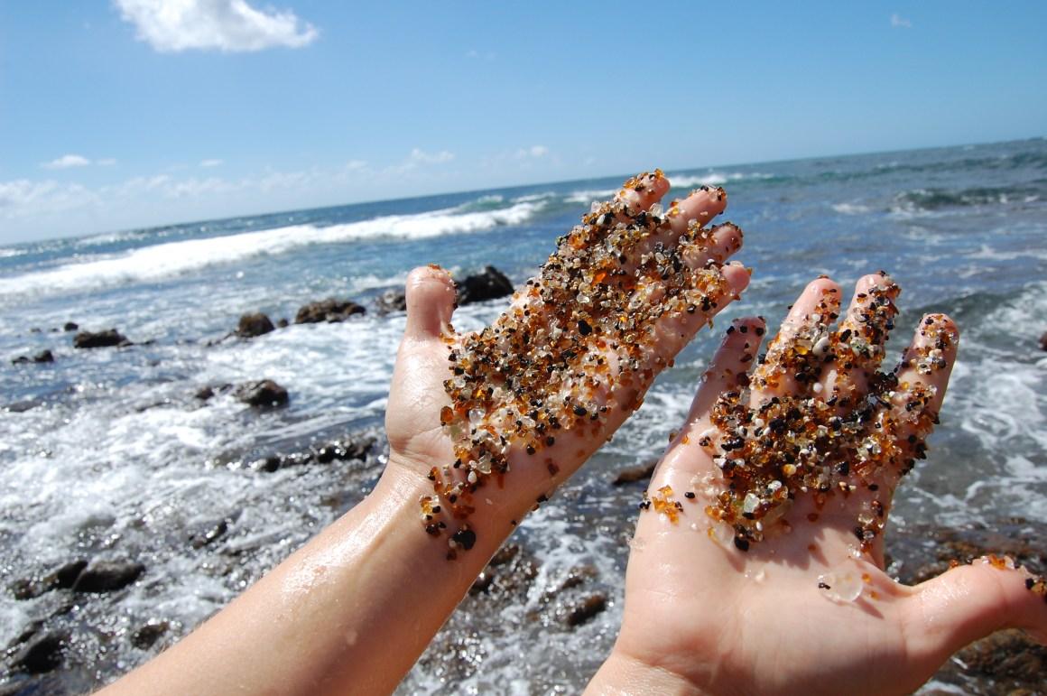 strangest-beaches-venuerific-blog-glass-sand-beach-hand