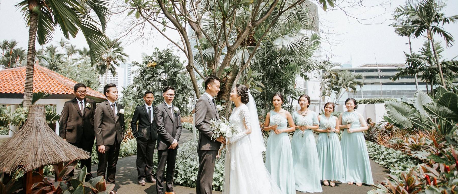 wedding-venue-jakarta-venuerific-blog-residence-on-five-bridegrooms-bridemaids
