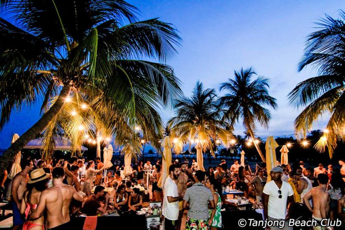 March-event-venuerific-blog-smack-my-beach-up-special-rave