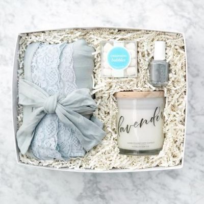 candle set baby shower gift idea