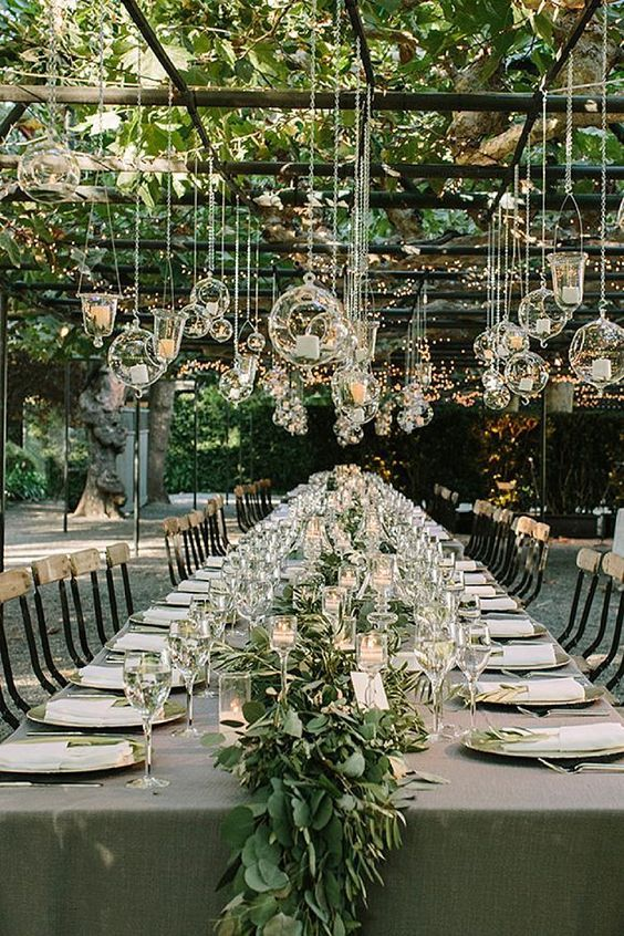 bohemian-wedding-venuerific-blog-reception-table-elegant-design