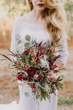 bohemian-wedding-venuerific-blog-accessories-bouquet