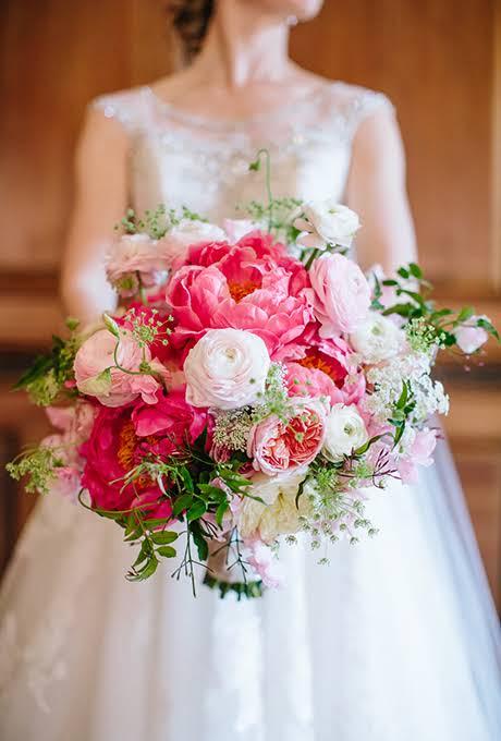 Perfect-wedding-flower-venuerific-blog-queen-of-hearts-peonies