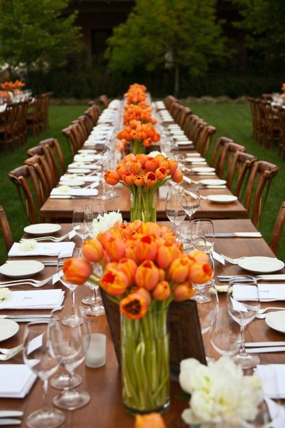 Perfect-wedding-flower-venuerific-blog-little-miss-sunshine-dutch-tulips-table-decor