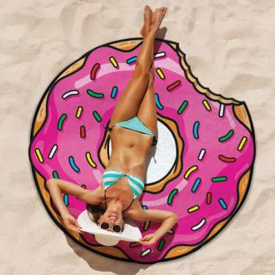 unique-bridal-shower-invitation-gift-venuerific-blog-gift-donut-beach-towel
