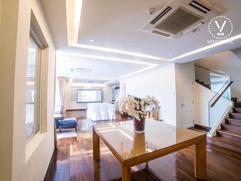 unique-venue-singapore-venuerific-blog-private-estate-larkhill-mansion-living-room