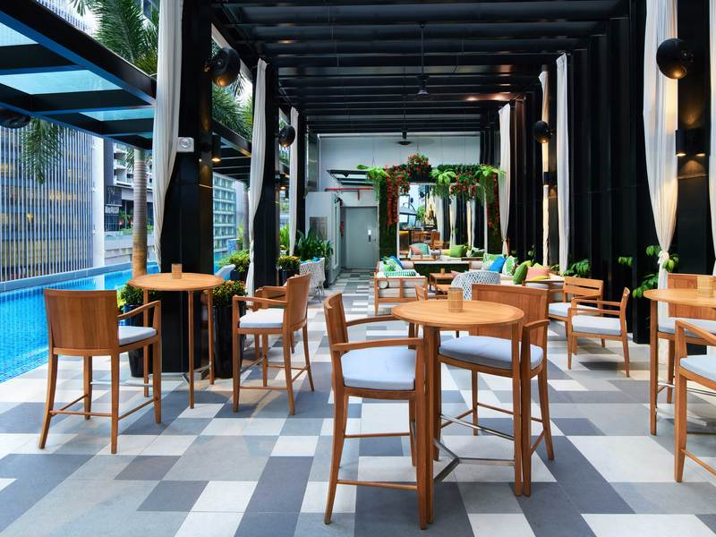 Valentines-day-dinner-venuerific-blog-1927-outdoor-seating-area