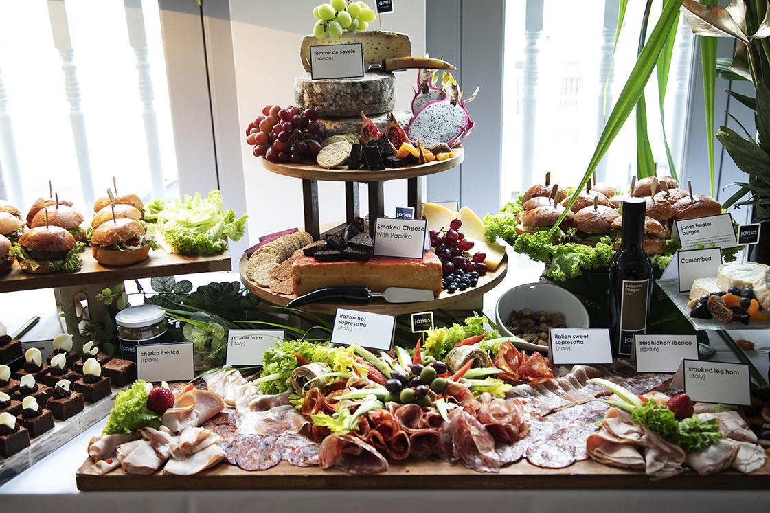 Valentines-day-dinner-venuerific-blog-jones-the-grocer-meat-display
