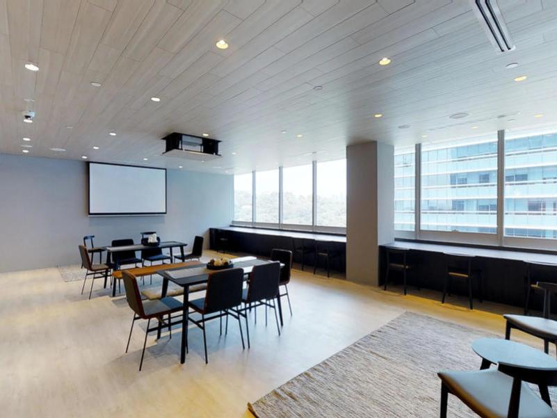 Minimalistic and modern design at the KLOUD Keppel Bay Tower