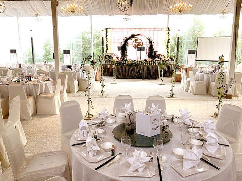 beautiful white wedding table setting
