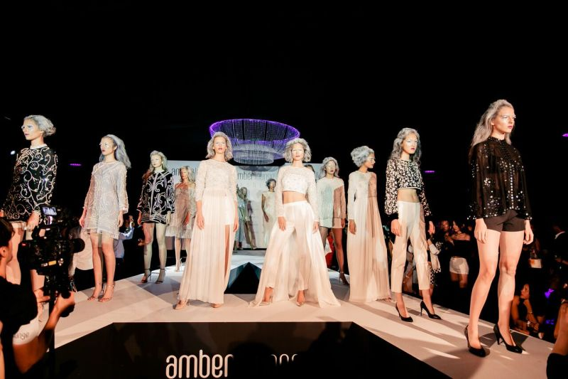 Amber Lounge black and white fashion show 2018