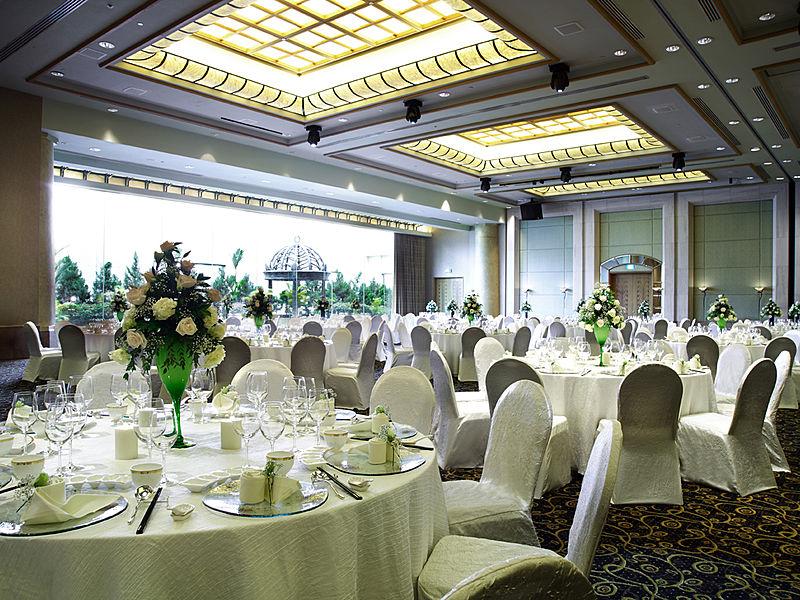 spacious hotel ballroom singapore