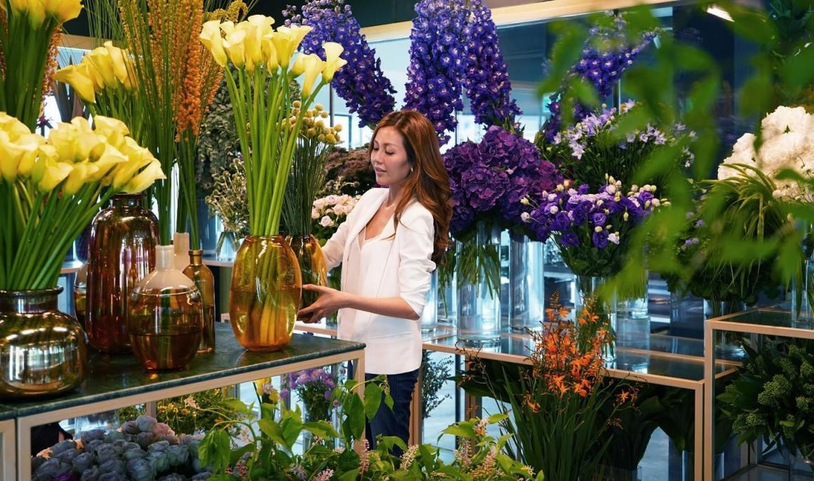 flower arrangement instructor