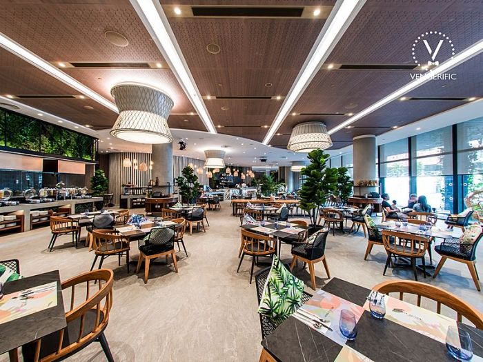 Singapore restaurant with natural lighting and polynesian islands style