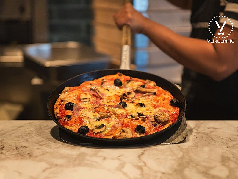 great pizza for singles on Valentine's day