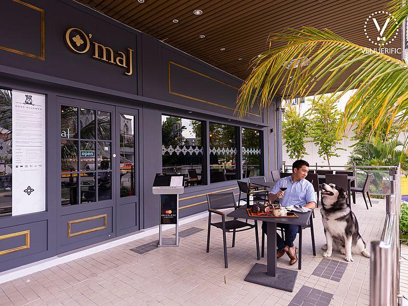 pet friendly restaurant at o'maj