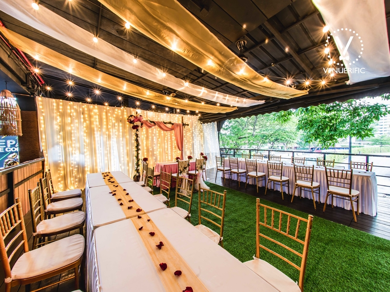 semi outdoor wedding space in singapore with rustic decoration