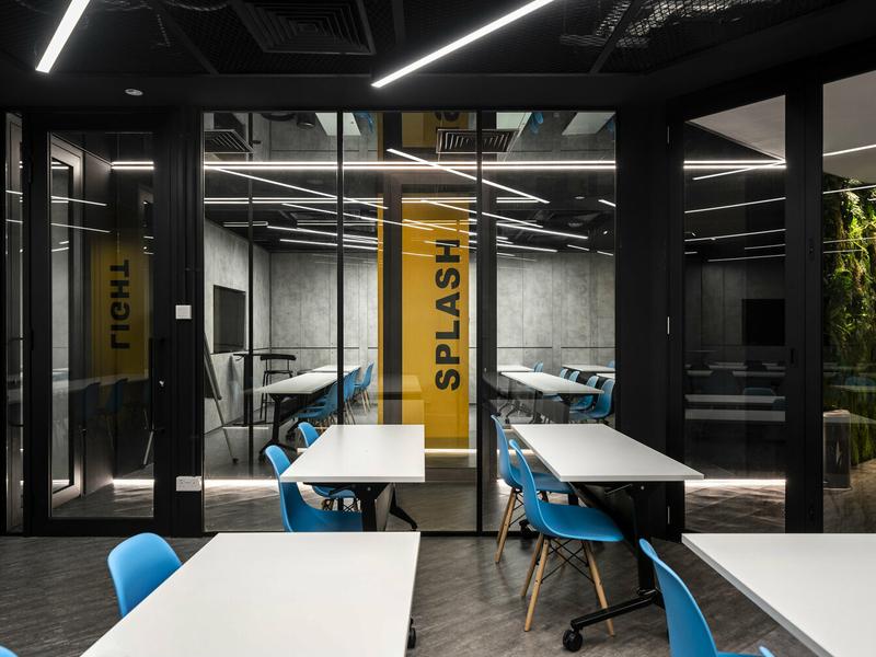 5 pax meeting space