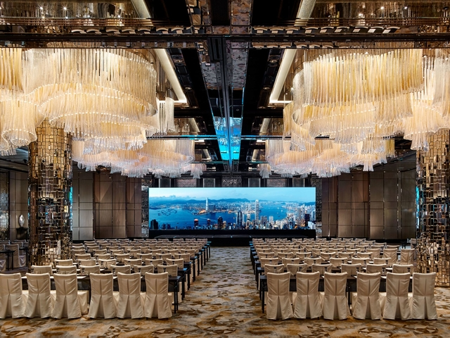 Large room with chandeliers and elegant seating. Solemnisation venue in Hong Kong
