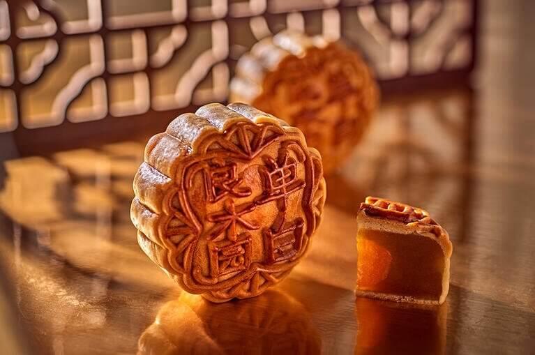 traditional mooncake