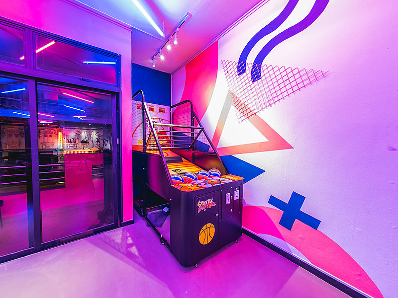basketball arcade machine in a room