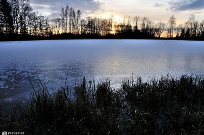 Kačerovské rybníky a magnitický kopec