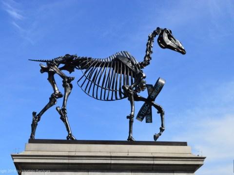 Бронзовый скелет Gift Horse