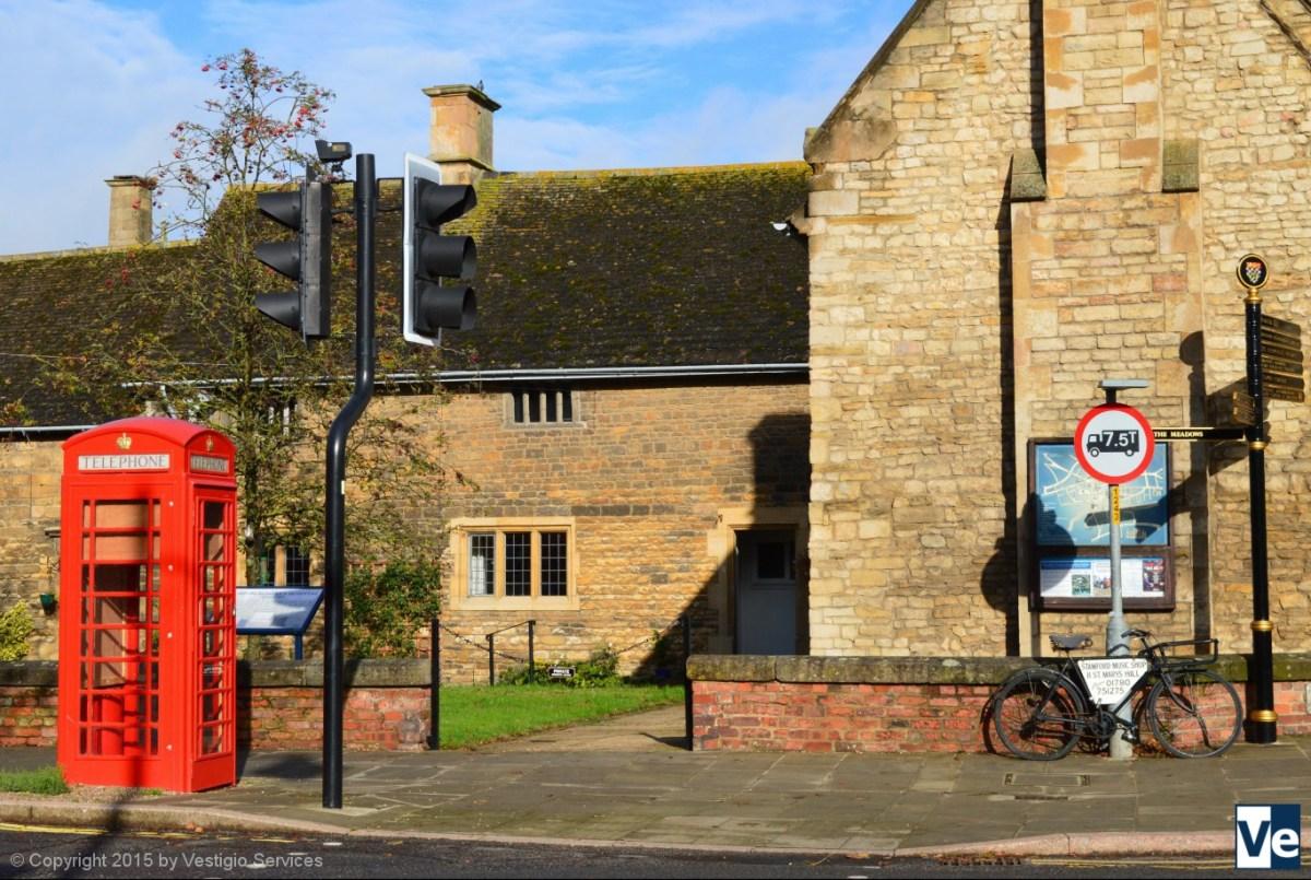 Kiosk No 6: красная телефонная будка