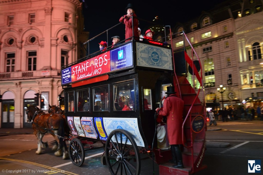 Необычные развлечения в Лондоне: педальбас, омнибус, иглу
