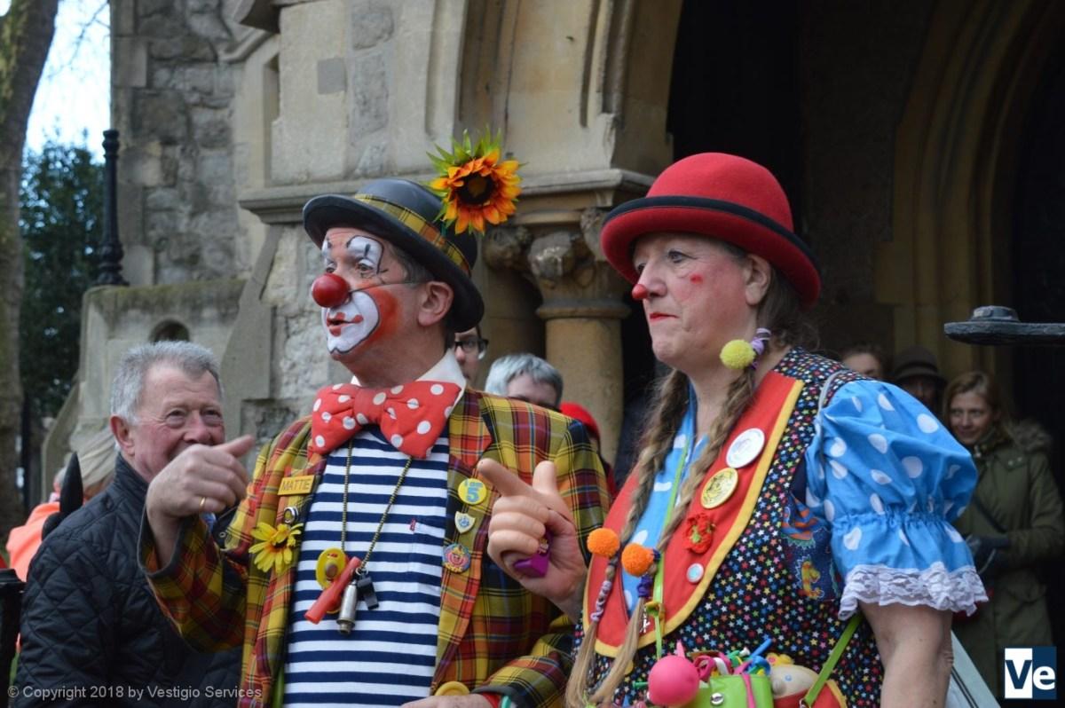 Клоуны на поминальной службе в Лондоне: Grimaldi Clowns Service