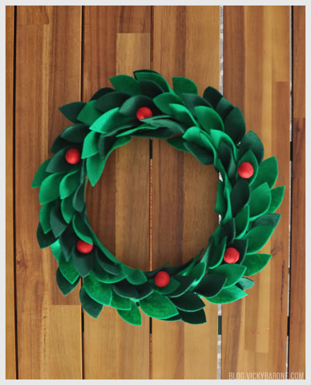 DIY Felt Holly Wreath Vicky Barone