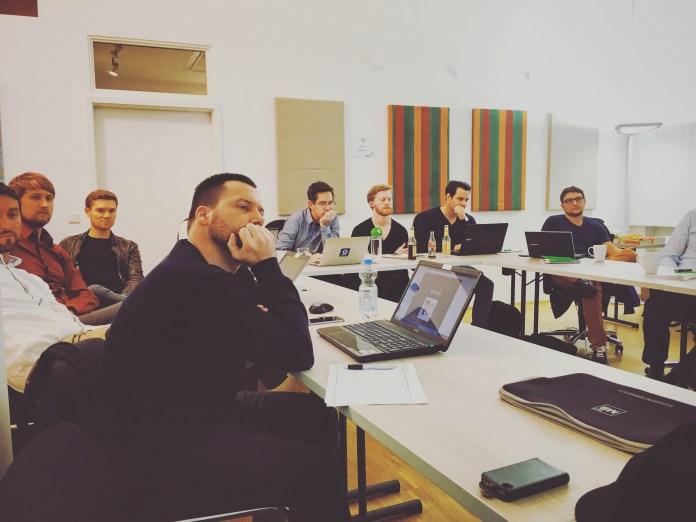 Lean Launchpad Dusseldorf Q4 2015 - Meetup 1 of 5