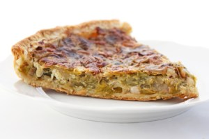 Assiette de tarte aux poireaux