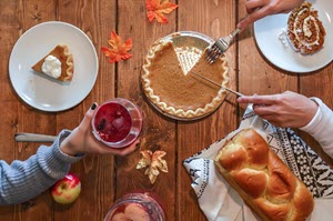 10 Tips for Hosting a Stress-Free Thanksgiving Party