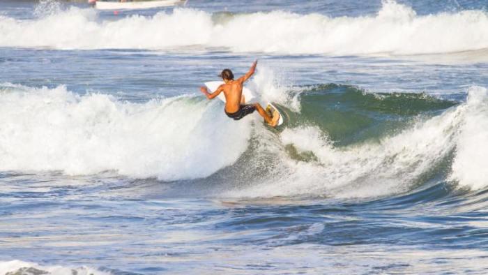 Deportes acuáticos - Surf